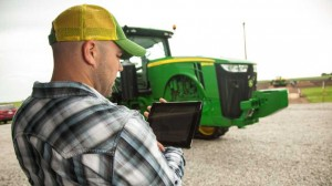 Grower using MyJohnDeere with tablet