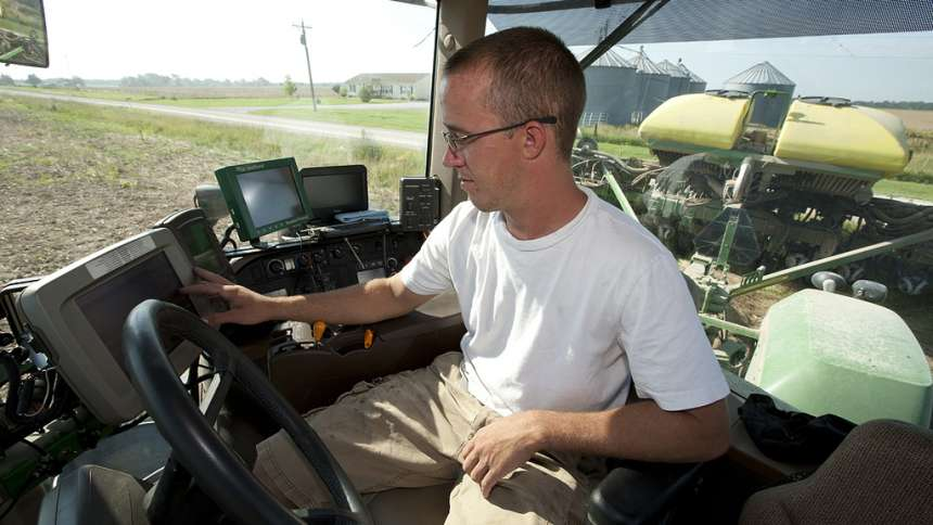 Precision Farming Act Would Give Farmers Access To Broadband Internet